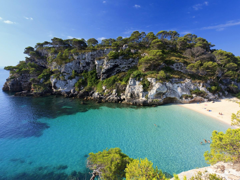 10-лучших-пляжей-Европы-Menorca-Cala-Macarelleta-spain