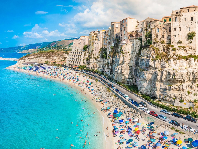 10-лучших-пляжей-Европы-tropea-Calabria-Italy