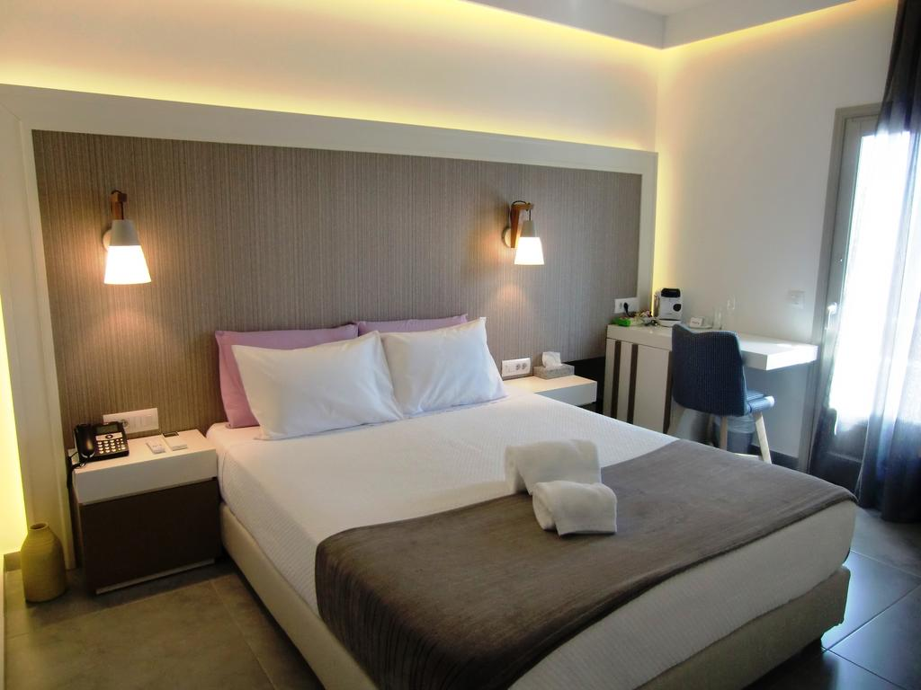 Platia Fira Luxury Rooms