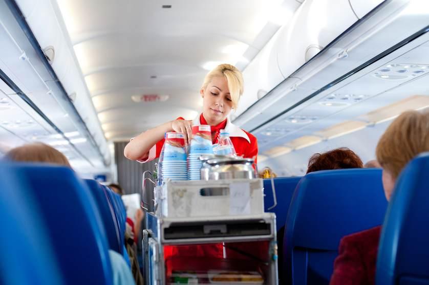 не пейте воду в самолете