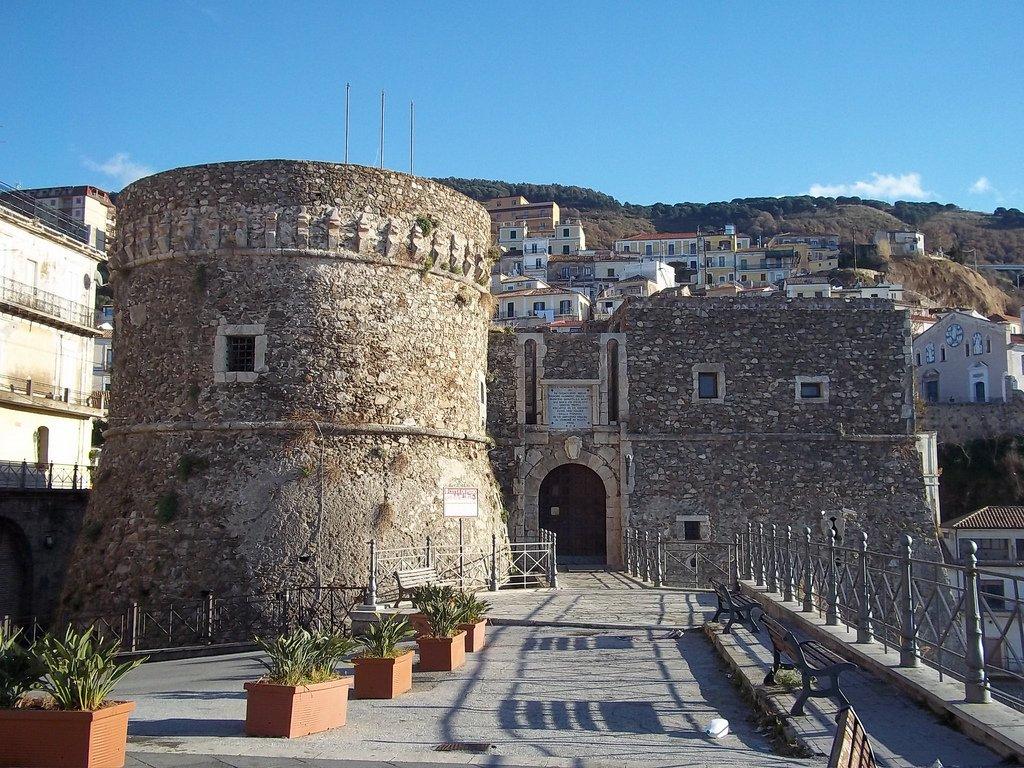 Арагонский замок в Пиццо (крепость Мюрата / Castello Aragonese Pizzo)