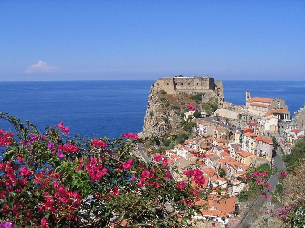 Замок Руффо (Castello Ruffo)