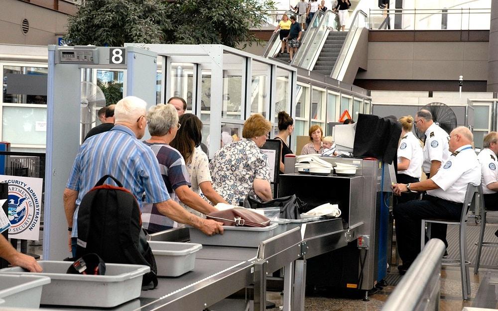 Как пройти проверку безопасности в аэропорту