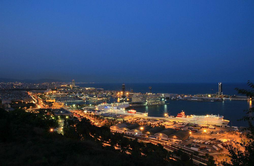 Самый большой порт Европы Барселона